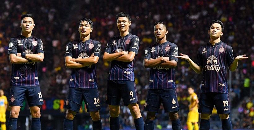 สมาคมกีฬาฟุตบอลแห่งประเทศไทย ในพระบรมราชูปถัมภ์ ไทยได้เตรียมวินิจฉัยกรรมการในการเป่าเกม' บุรีรัมย์-ท่าเรือ'